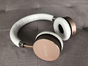 Satechi Aluminum Bluetooth Wireless Headphones for Sale in Chicago, IL