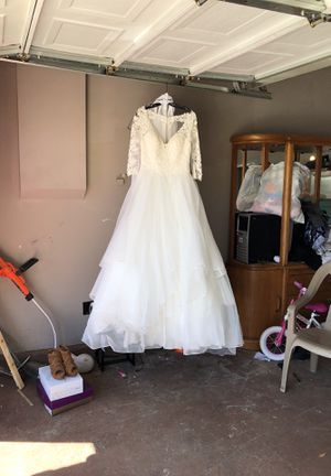 Bridal gown and shoes for Sale in Oak Hills, CA