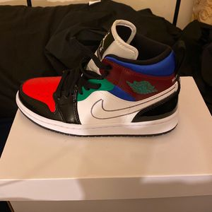 WMNS AIR JORDAN 1 Mid SE for Sale in Washington, DC