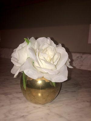 Gold vase, white flowers Room Decor for Sale in Elkins, AR