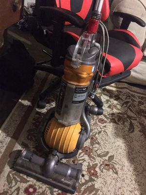 Dyson for Sale in Moon, PA