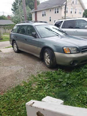 2002 Subaru outback (FOR PARTS ONLY) for Sale in Columbus, OH