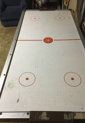 Air hockey table 6 ft for Sale in Kingston, NY