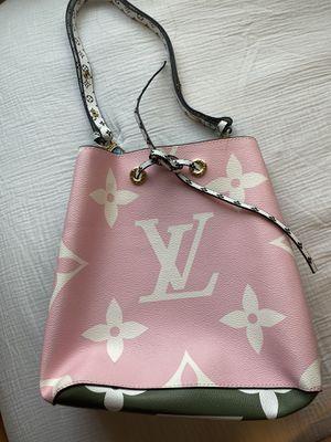 LV shoulder bag. for Sale in La Habra Heights, CA