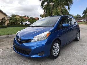 Toyota Yaris hatchback 2013 for Sale in Miami, FL