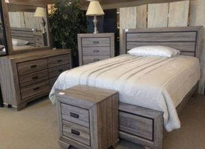 Brand new 5-PC Queen Rustic Grey wood Bedroom Set for Sale in Houston, TX