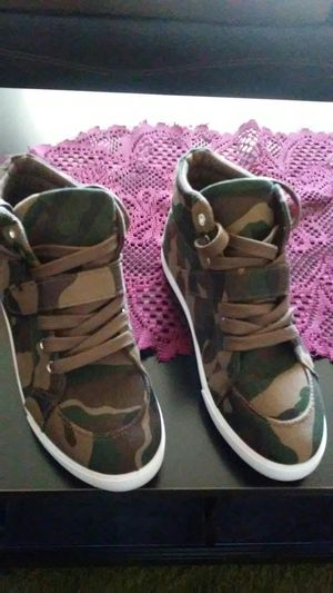 Camo shoes for Sale in Lodi, CA