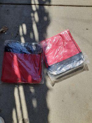 Bolsas para yebar lonche for Sale in Los Angeles, CA
