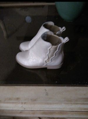 Cute little girls boots gold/tan color size 11, $ 20 for Sale in Kansas City, MO