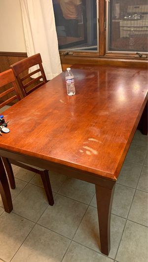Dining room table need gone for Sale in Fort Wayne, IN