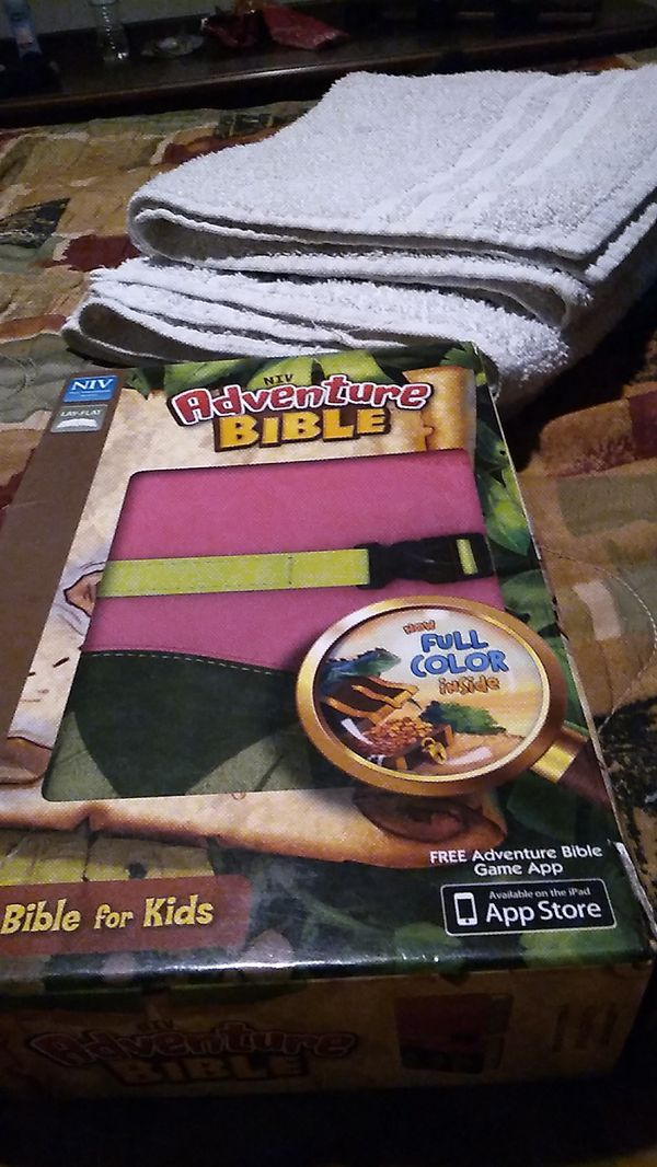 Adventure Bible for Kids. Pink