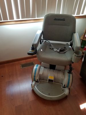 Hoover around chair for Sale in Silverwood, MI