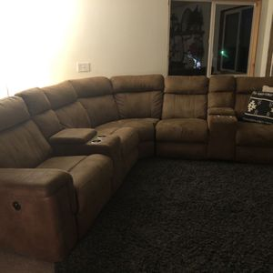 Sectional Couch for Sale in Oregon City, OR