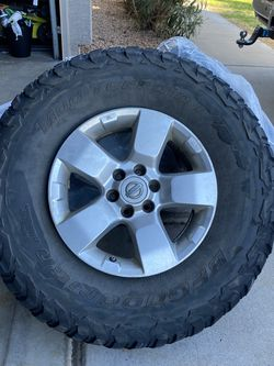 255/85/16 KM3 BF Goodrich Tires for Sale in Fort McDowell,  AZ