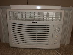 Gently Used Window AC Unit for Sale in St. Charles, IL