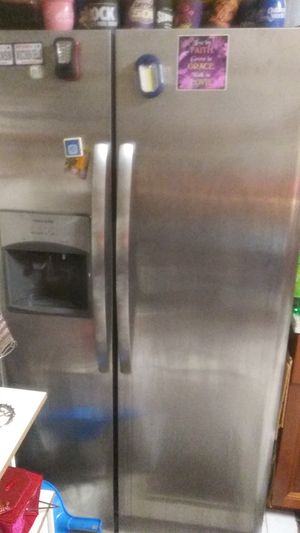 Refrigerator Moving with Pick Up Truck ( Free Estimate ) for Sale in Hollywood, FL