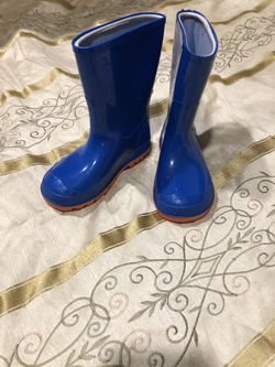 Rain boots (toddler) Size 7-8 for Sale in Brier,  WA