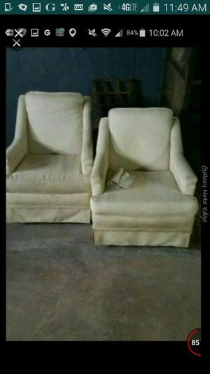 2 chairs free for Sale in Chicago, IL