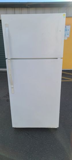 "Kenmore apartment  Size Refrigerator(Size 28""w by 28"" d by 65 h(willing to deliver for free>/ for Sale in Auburn,  WA"