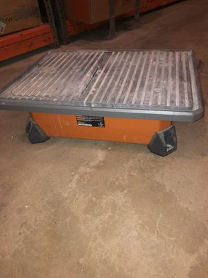 Table Top Wet Tile Saw for Sale in Penndel, PA