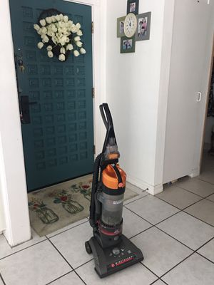 Hoover vacuum in Excellent condition $35 for Sale in La Habra, CA