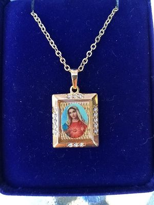 Gold Plated Sacred Heart of Mary Medal on an 18in gold plated chain. Religious jewelry. for Sale for sale  Stockton, CA