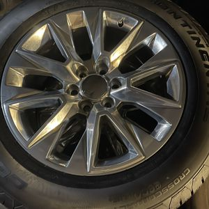 Factory Chevy Or GMC Wheels 275/60/20 Continental Tires $1500 for Sale in Lake Elsinore, CA