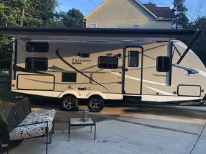 2019 Coachmen Freedom Express Ultra Lite Azdel Edition Brand New for Sale in Charlotte, NC