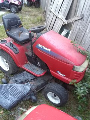 Craftsman lawn tractor for Sale in New Smyrna Beach, FL