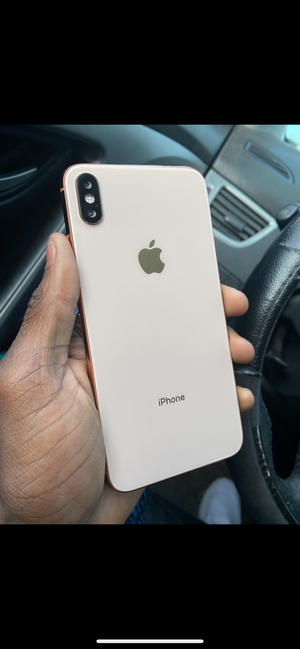 Iphone 10xs max for Sale in Kissimmee, FL