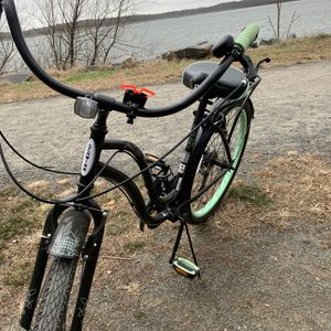 Women's Schwinn Cruiser Bike for Sale in Sayreville, NJ