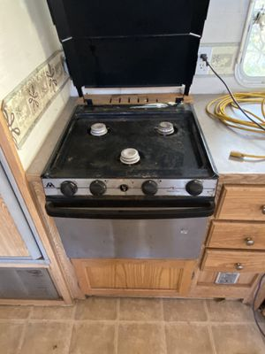 RV Stove Trail Vision Camper for Sale in Omaha, NE