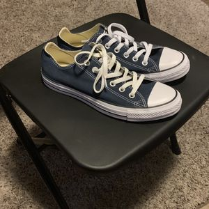 Converse Low size 8 *Brand New* for Sale in Trenton, NJ