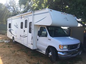 2007 RV . Sun seeker by forest river for Sale in Hollister, CA