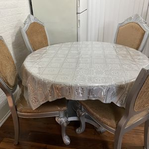 Dining table4 chairs for Sale in El Cajon, CA