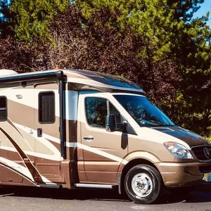 2012 Itasca Navion V6-24G for Sale in Portland, OR