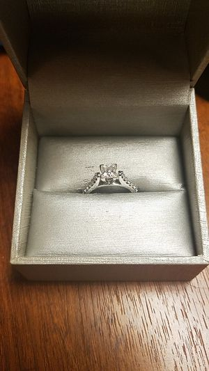 Zales Engagement Ring for Sale in Orlando, FL