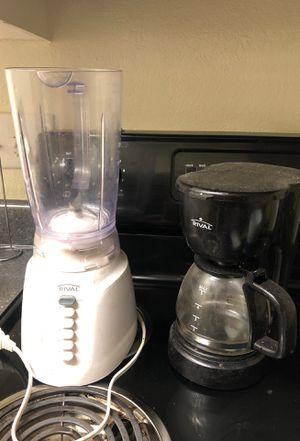 Coffee maker & blender bundle for Sale in Durham, NC