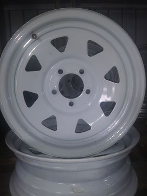 225/75/15 Rainier radial in white painted rim. for Sale in Bartow, FL