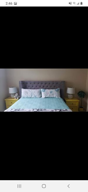 Bed king size for Sale in Fullerton, CA