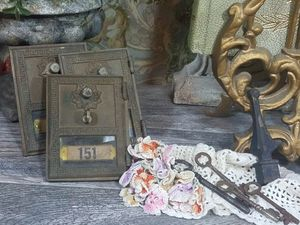 Read details. Post box - Keys- Flower for Sale in Orlando, FL