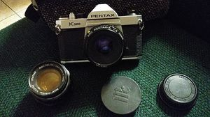 Pentax k1000 vintage camera with extra lens for Sale in Palm Springs, CA