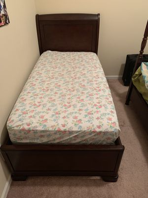 Twin Size Bed (Bed Frame and Mattress) for Sale in Grovetown, GA