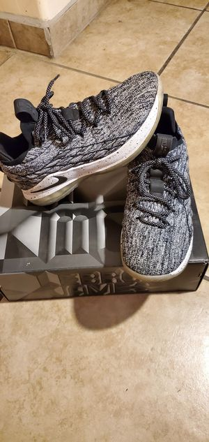 Lebron XV low for Sale in Tucson, AZ