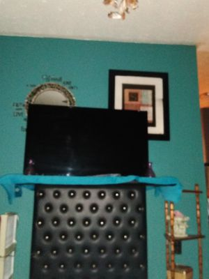 Phillips 44 inch flat screen smart TV for Sale in Owensboro, KY