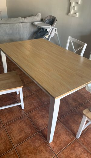 Kitchen table not a counter height for Sale in Bakersfield, CA