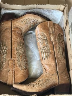 COWBOY BOOTS FOR WOMEN SIZE 7 for Sale in Houston, TX