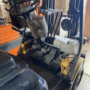 Forklift En Buenas Condiciones for Sale in Lakewood, CA