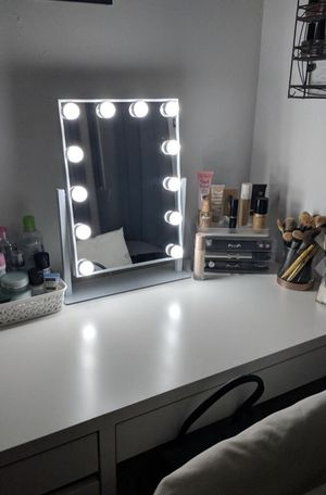 ⭐️ BRAND NEW Lighted Touch Vanity Makeup Mirror for Dressing Room Fashion Closet for Sale in Phoenix, AZ