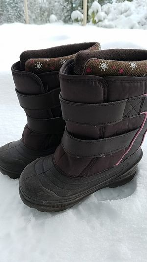 Snow shoes / boots kids toddler size 11 for Sale in Bellevue, WA